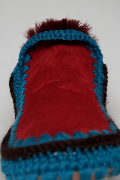 Boogie-Uggie Unisex Sheepskin Moccasin Boots Sizes 4 to 12